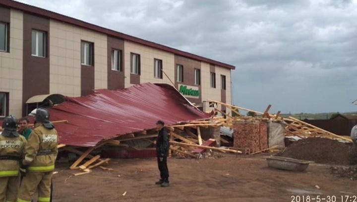 Смерч в Казани не обошелся без жертв: ветер срывал крыши