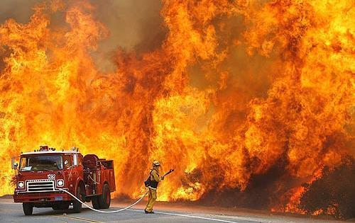 Масштабный пожар в Техасе: есть пострадавшие