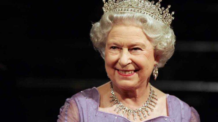 Стало известно, что королева Великобритании подарит на свадьбу внуку