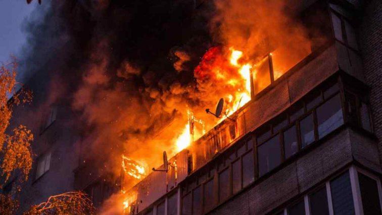 Два пожара за сутки: люди самостоятельно выбирались из огня