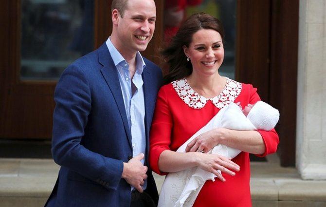 Королевская семья опубликовала первые фото новорожденного принца Луи