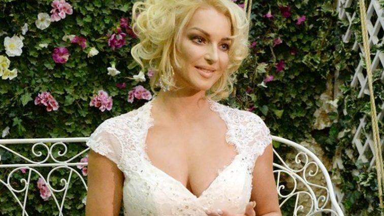 Анастасия Волочкова спровоцировала скандал на борту самолёта