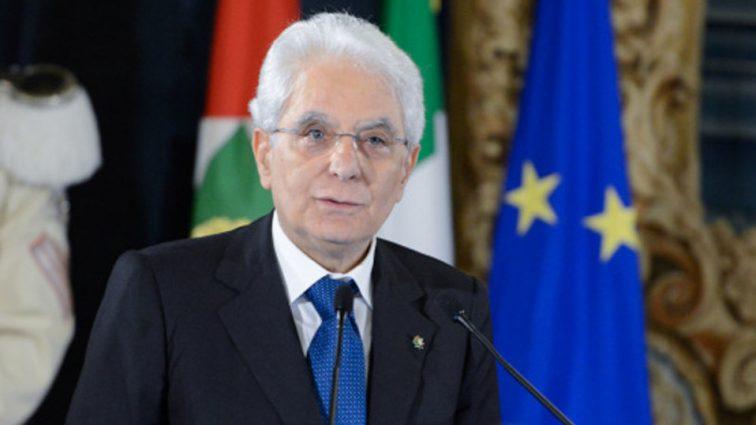 Президента Италии хотят отправить в отставку. Узнайте подробности