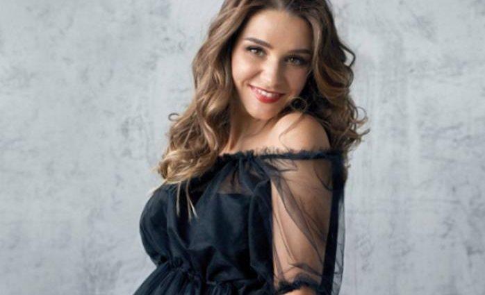 Известная актриса удивила поклонников фотографиями в бикини