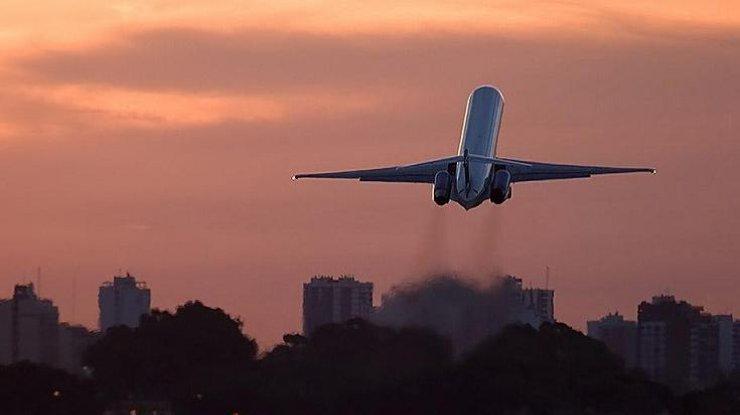 Появились фото с места крушения самолета, где погибли сотни людей