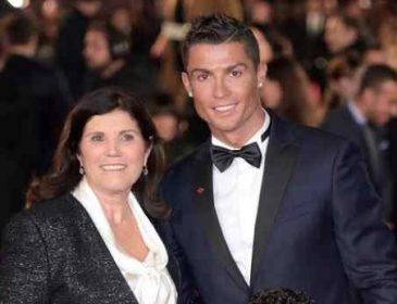 Мать Роналду шокировала публику  в Каннах своим прозрачным платьем (фото)