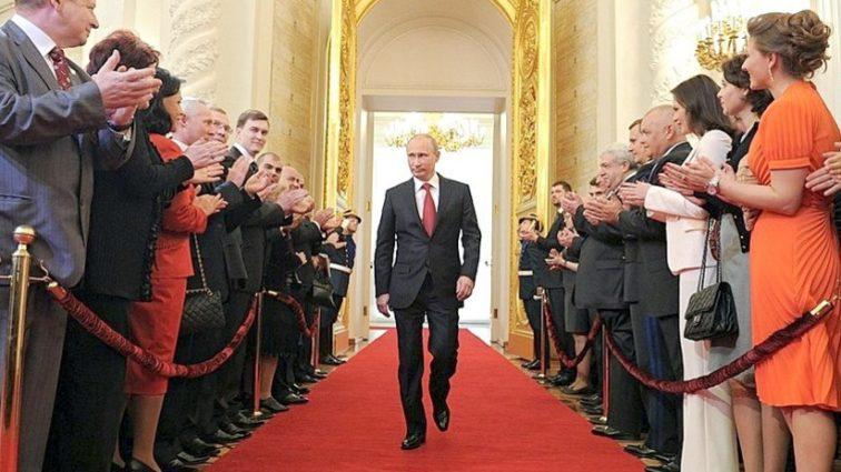 Эксклюзив за 12 млрд рублей: Только посмотрите на чем приехал Путин на инаугурацию