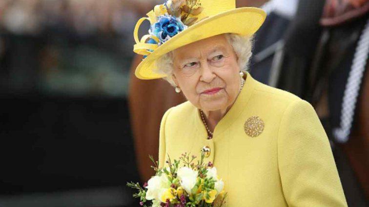 Стало известно, какие условия поставила внуку королева перед свадьбой с Маркл