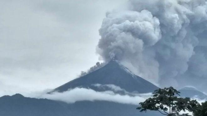 Извержения вулкана Фуэго: США пообещали помочь пострадавшим