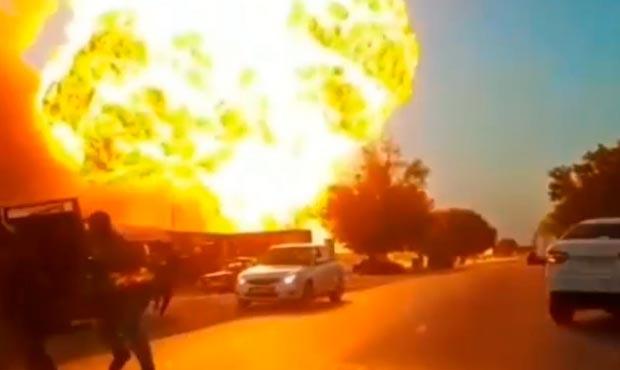 «Взорвались цистерны с топливом»: В РФ мощный взрыв на АЗС