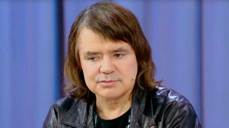 «В грязных памперсах, утки не выносят…»: Евгений Осин плачется о жутких условиях