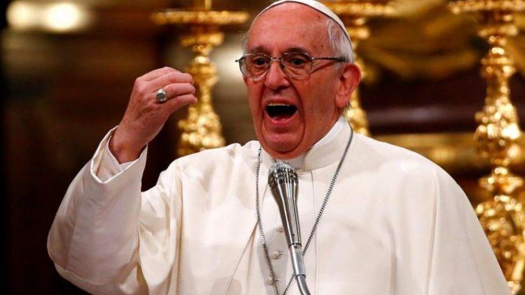 Следует служить, а не строить карьеру: Папа Римский сделал резкое заявление