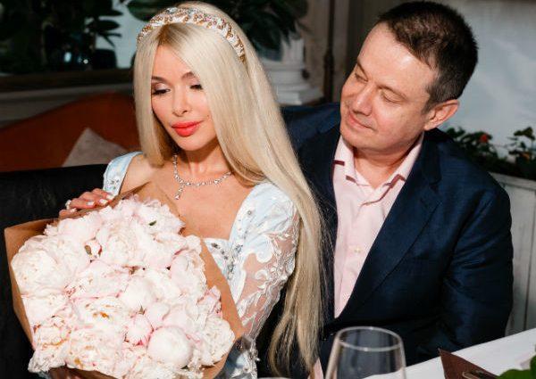 «Так он же ее избивал»: певица Елена Кравец вышла замуж за олигарха. Первые кадры