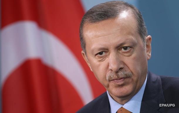 «Получает почти неограниченную власть»: Что означает победа Эрдогана для Турции