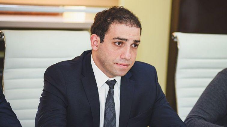 Первый пошел : главный прокурор Грузии Ираклий Шотадзе подал в отставку