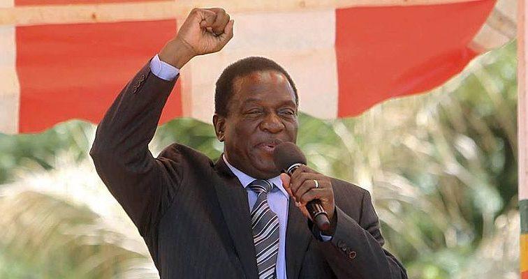 «Взорвали бомбу на стадионе»: на жизнь президента Зимбабве покушались во время митинга