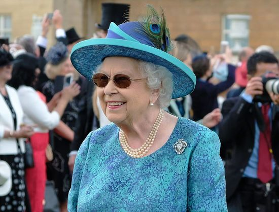 Королева Елизавета перенесла операцию на глазах