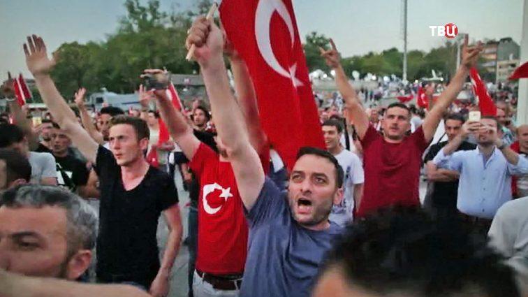 Массовые протесты в Турции: чего требуют активисты?