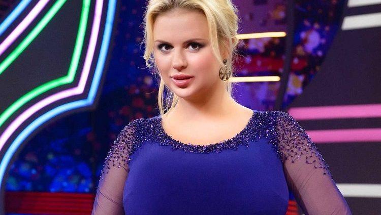 Анна Семенович прокомментировала слухи об операции на груди