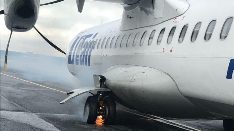 В Тюмени загорелся самолет с пассажирами: узнайте последствия(ВИДЕО)