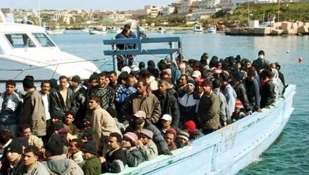 «Проблемы индейца шерифа не …»: В Италии запретили спасать судна с мигрантами