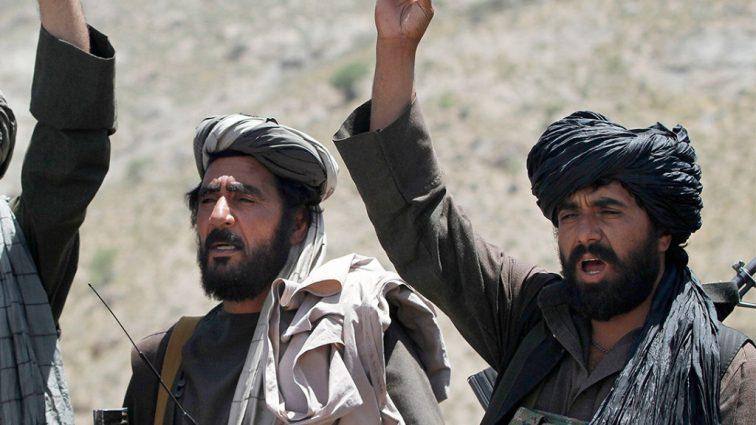 В Афганистане талибы убили полтора десятка полицейских