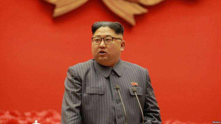 «Подпустил близко к себе»: Ким Чен Ын получил необычный подарок от Дональда Трампа