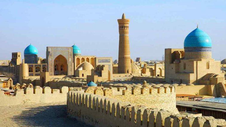 В Узбекистане действует новый закон для туристов