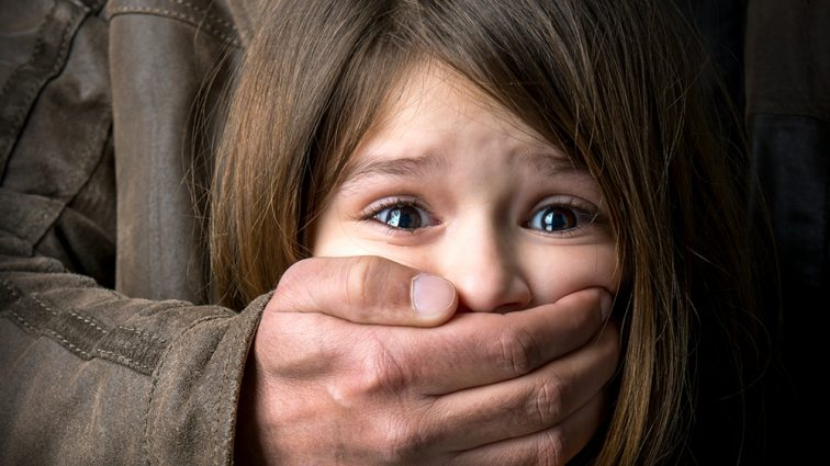 «Она проснулась из-за неудобных прикосновений к интимной зоне»: С девочкой в детсаду произошел ужасающий случай