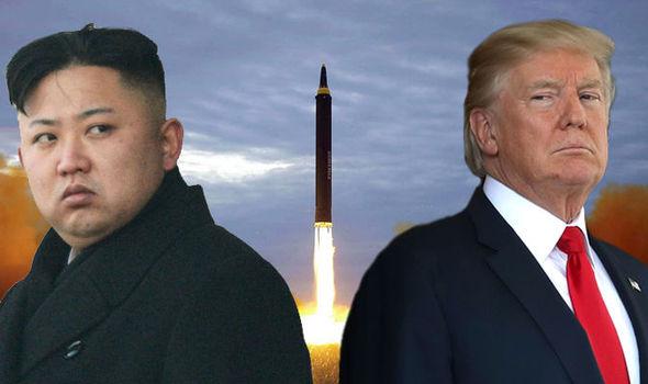 «Ким Чен Ын «ползал на коленях», умоляя провести саммит», — юристы Трампа