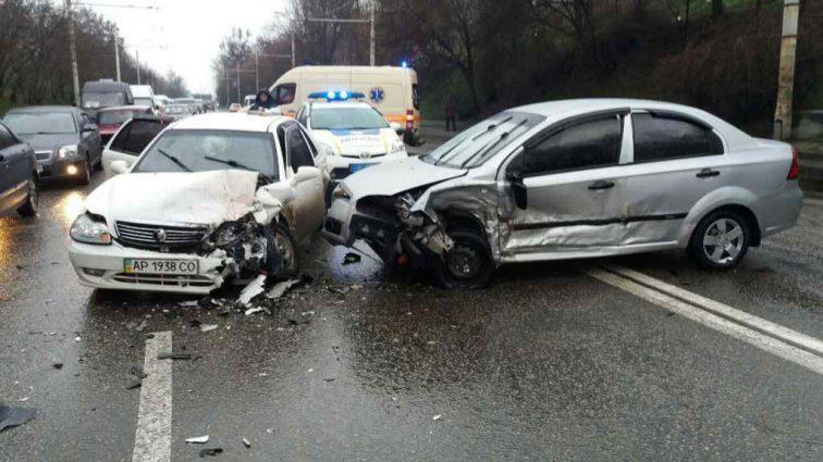 Автомобиль влетел в группу подростков: жуткое ДТП в Московской области