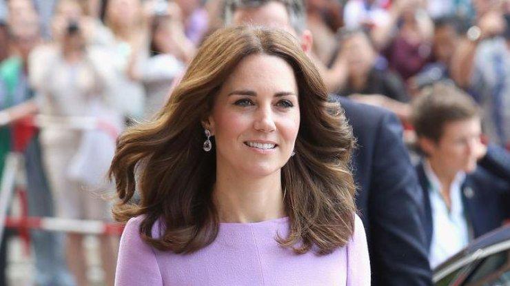 Открыто и дешево: Кейт Миддлтон удивила своим нарядом на благотворительном мероприятии