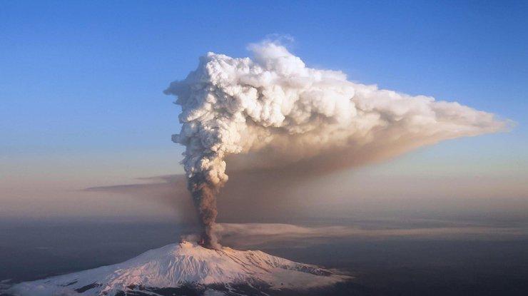 Извержение вулкана Фуэго: десятки людей сгорели заживо — появились кадры