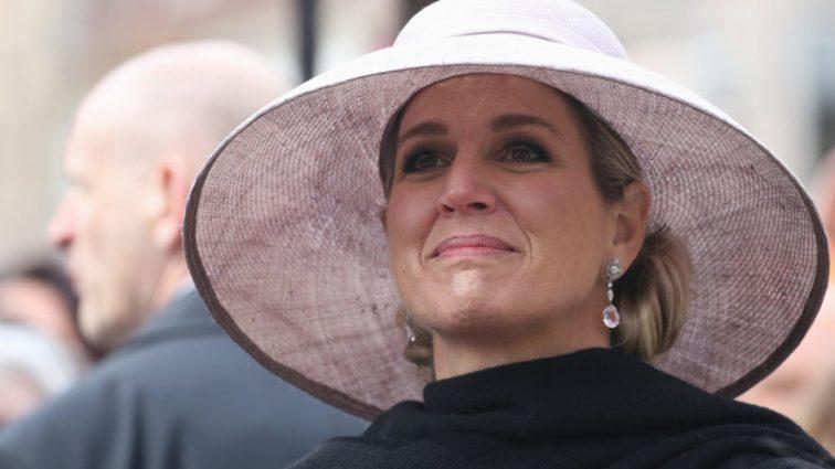 Королева Нидерландов Максима прокомментировала самоубийство родной сестры
