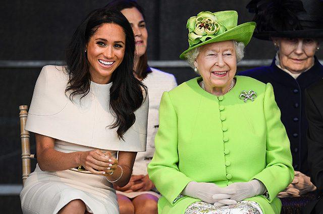 Королева Елизавета подпустила близко к себе Меган Маркл