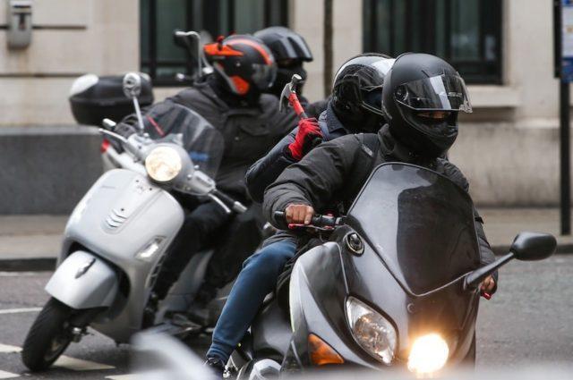 «Горячие головы отдыхают»: министра ограбила банда мотоциклистов