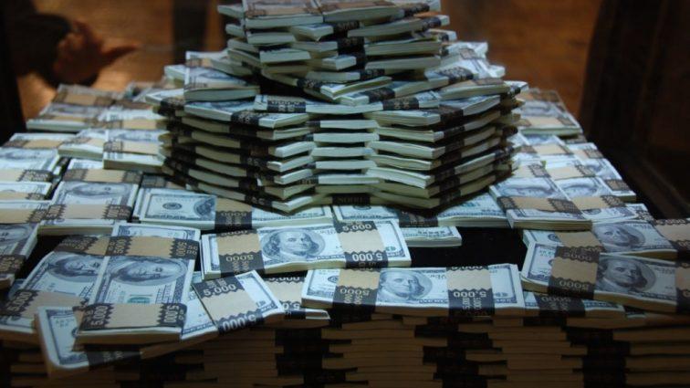 Как распорядится американка, больная раком, выигранные деньги в лотерею, в размере  более 77 тысяч долларов