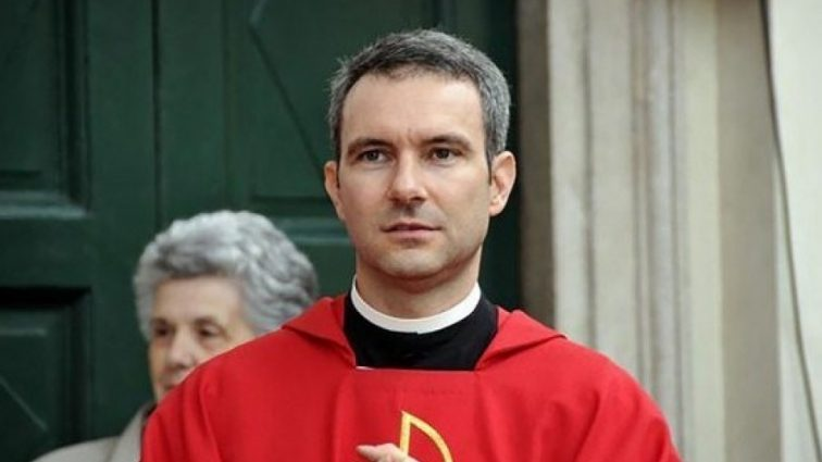 «Приговорен на 5 лет!»: священника засудили за педофилию
