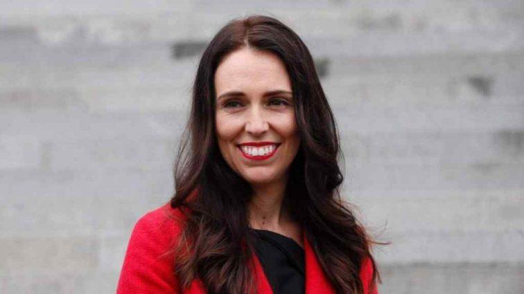 «Родила ребенка будучи главой правительства»: премьер-министр Новой Зеландии впервые стала мамой