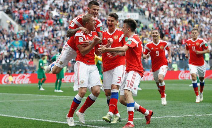 Галкин в экстазе: Как российские знаменитости праздновали победу своей сборной