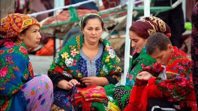 Никому до достижения 40 лет разрешения на выезд не дают: нововведения в Туркмении