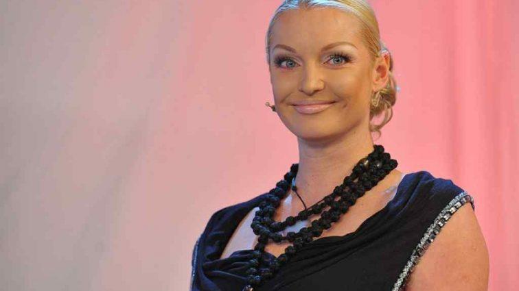 Анастасия Волочкова показала на всю страну нескромные видео с иностранцами