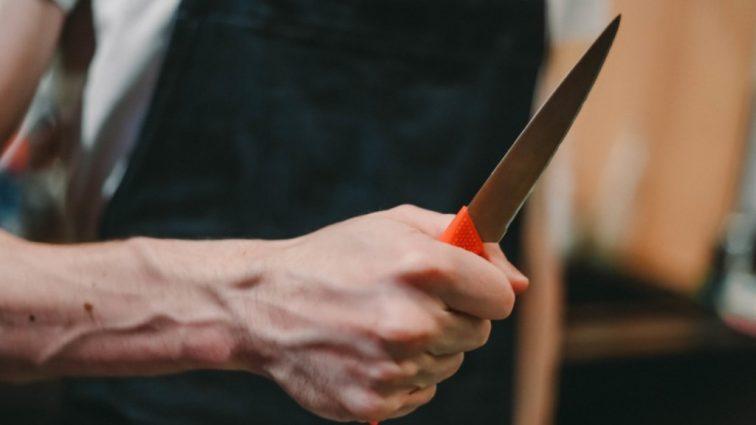 «Не захотела покупать дубленку»: мужчина-мясник жестоко зарезал пенсионерку