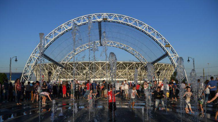 Жуткая стихия! Стадион, построенный к ЧМ-2018, частично смыло волной