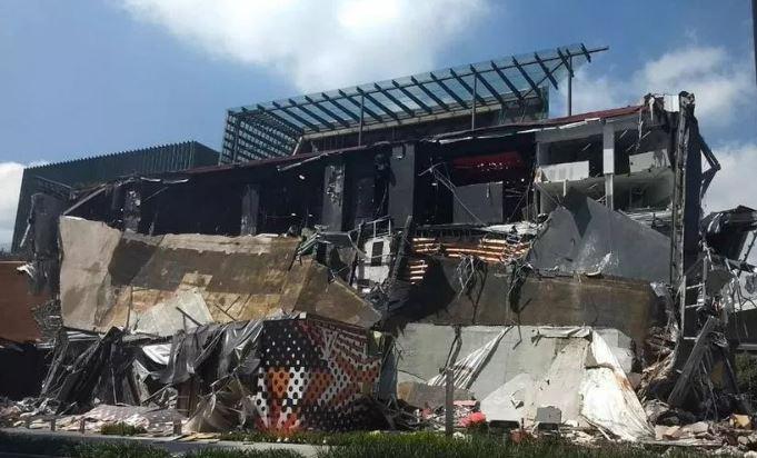 «За считанные секунды»: В Мехико обвалился торговый центр. Кадры с места проишествия