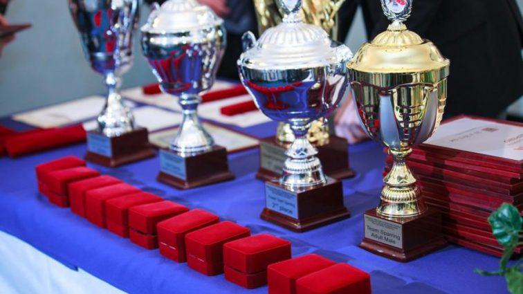Награждение Министерством спорта футболистов возмутило российских спортсменов