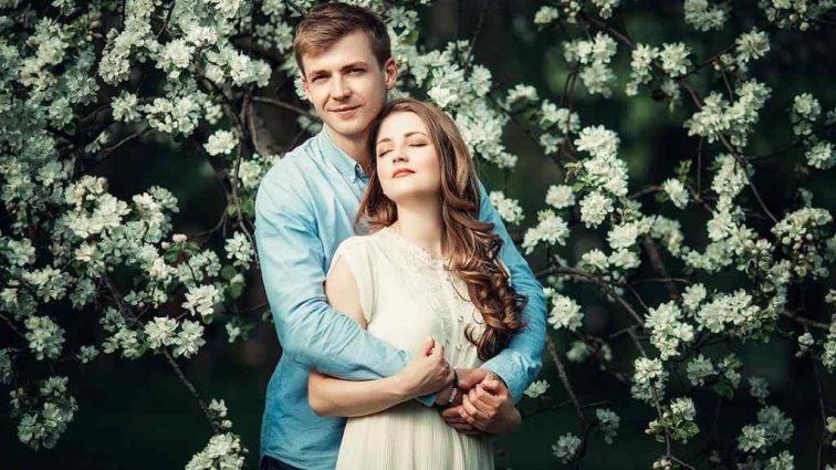 «Рядом с тобой происходит магия!»: Муж Михайловской показал нежное фото с новой женщиной, известным  продюсером