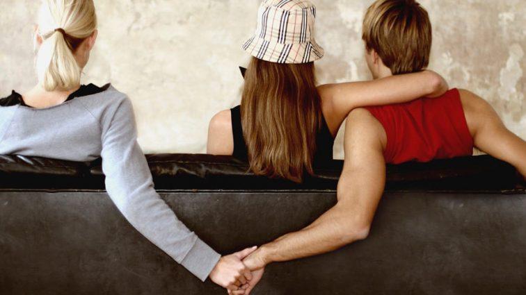 «Я чувствую себя женщиной»: Жена звезды фильма «Все будет хорошо» изменила ему с преступником