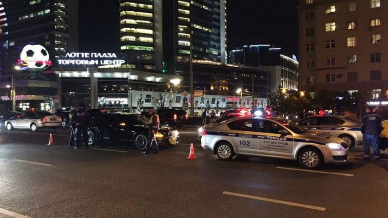 В Иркутске пьяный водитель сбил 9 полицейских