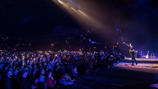 В России известная группа посреди концерта покинула сцену